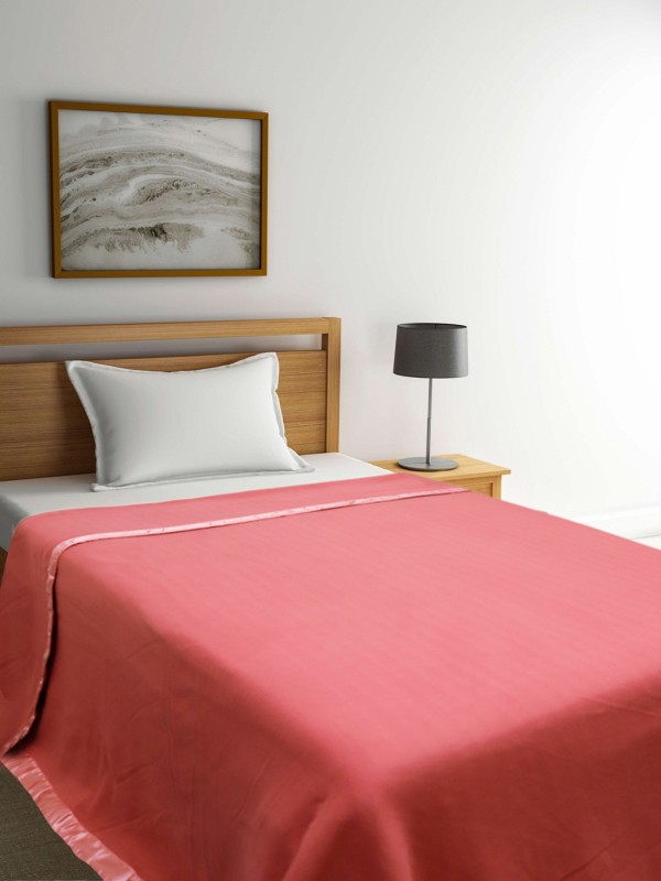 Raymond Blanket 61% off from Rs649